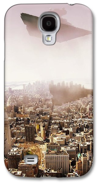 Sw Isd Imperial Star Destroyer Over Manhatan. Galaxy S4 Case by HQ Photo
