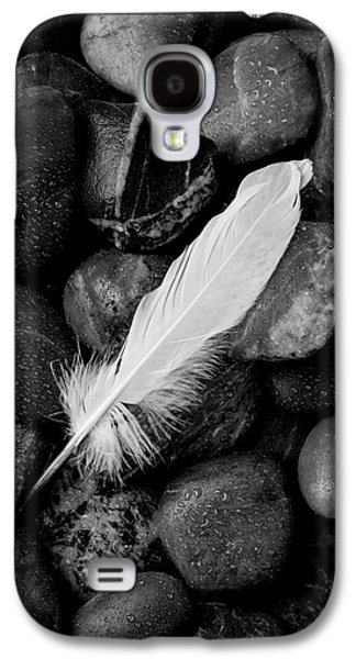 Swan Feather Black And White Galaxy S4 Case by Garry Gay