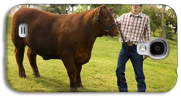 Teen And Red Angus Steer Galaxy S4 Case by Inga Spence