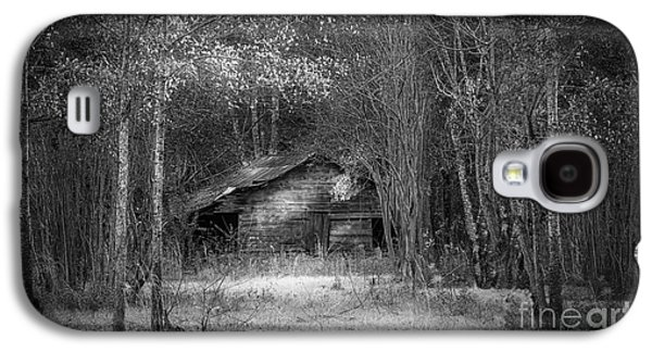 That Old Barn-bw Galaxy S4 Case by Marvin Spates