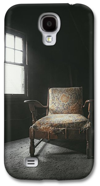 The Armchair In The Attic Galaxy S4 Case by Scott Norris