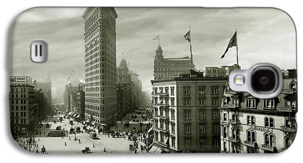 The Beautiful Flatiron Building Circa 1902 Galaxy S4 Case by Jon Neidert