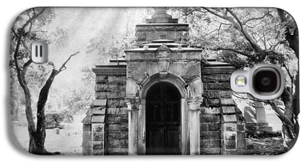 The Crypt At Woodlawn Galaxy S4 Case by Jessica Jenney