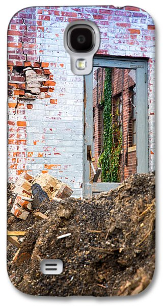 Galaxy S4 Case featuring the photograph The Door Is Always Open by Lora Lee Chapman