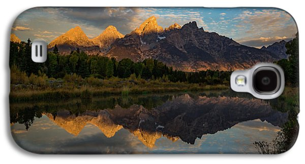 The First Light Galaxy S4 Case by Edgars Erglis