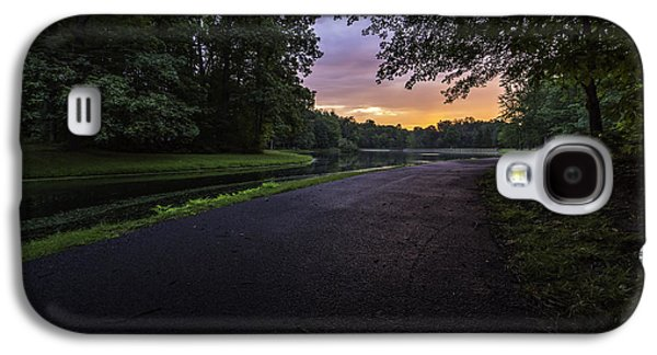 The Hues Of Daybreak Galaxy S4 Case by Everet Regal