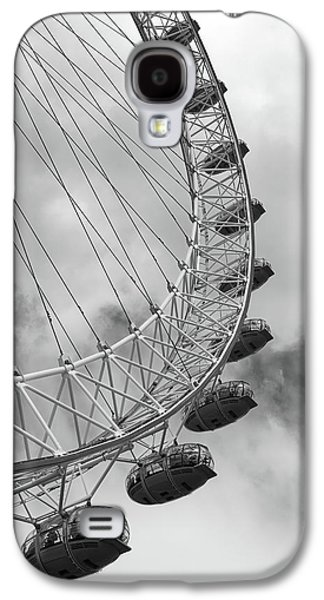 Galaxy S4 Case featuring the photograph The London Eye, London, England by Richard Goodrich
