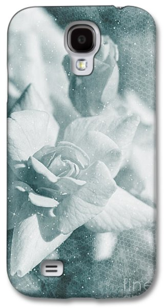 The Magic Of Roses Galaxy S4 Case by Linda Lees