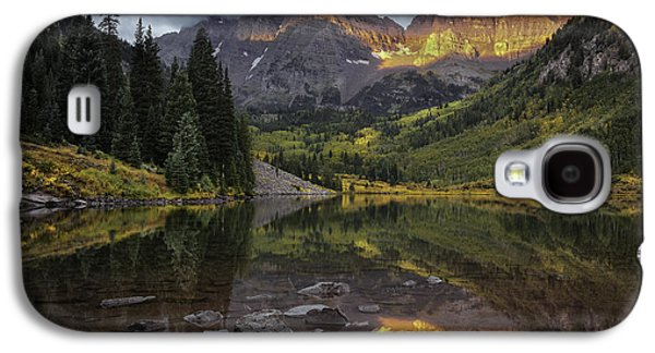 The Maroon Bells At Dawn Galaxy S4 Case by Thomas Schoeller