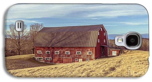 The Old Red Barn In Winter Galaxy S4 Case by Edward Fielding