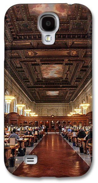 The Rose Reading Room II Galaxy S4 Case by Jessica Jenney