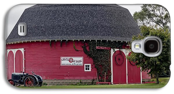The Round Barn Galaxy S4 Case by L O C