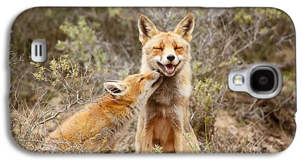 The Smiling Vixen And The Happy Kit Galaxy S4 Case by Roeselien Raimond