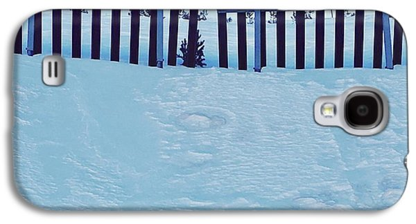 The Snow Fence Galaxy S4 Case by Contemporary Art