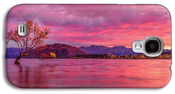The Wanaka Sunrise Galaxy S4 Case by Kumar Annamalai