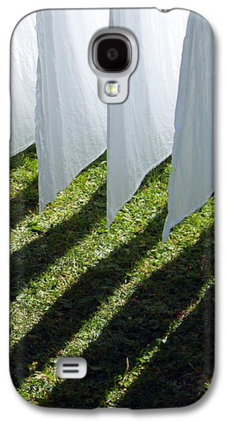 The Washing Is On The Line - Shadow Play Galaxy S4 Case