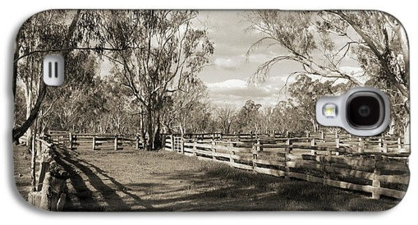 Galaxy S4 Case featuring the photograph The Yards by Linda Lees