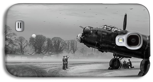 Galaxy S4 Case featuring the photograph Time To Go - Lancasters On Dispersal Bw Version by Gary Eason