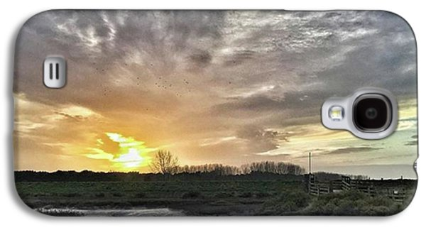 Sky Galaxy S4 Case - Tonight's Sunset From Thornham by John Edwards