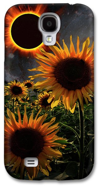 Total Eclipse Of The Sun Over The Sunflowers Galaxy S4 Case