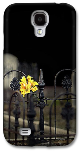 Final Resting Place Galaxy S4 Case - Toujours Souvenu by Marion Cullen