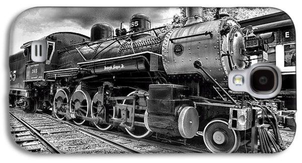 Train - Steam Engine Locomotive 385 In Black And White Galaxy S4 Case