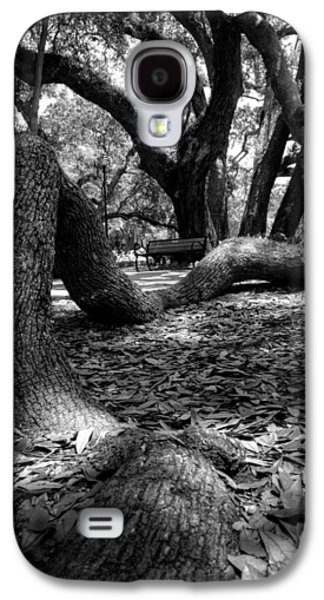 Tree Root In Black And White Galaxy S4 Case by Greg Mimbs