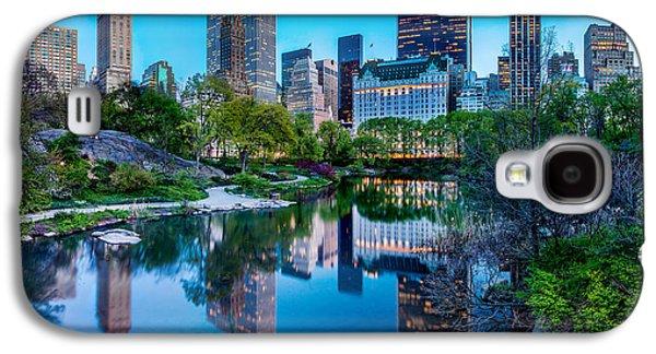 Famous Photographers Galaxy S4 Cases - Urban Oasis Galaxy S4 Case by Az Jackson