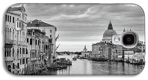 Galaxy S4 Case featuring the photograph Venice Morning by Richard Goodrich