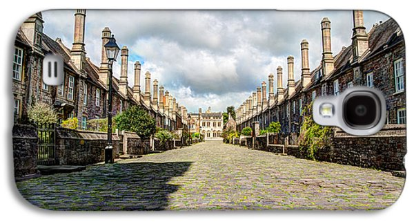 Vicars Close, Wells, England Galaxy S4 Case by Tomas Mitchell