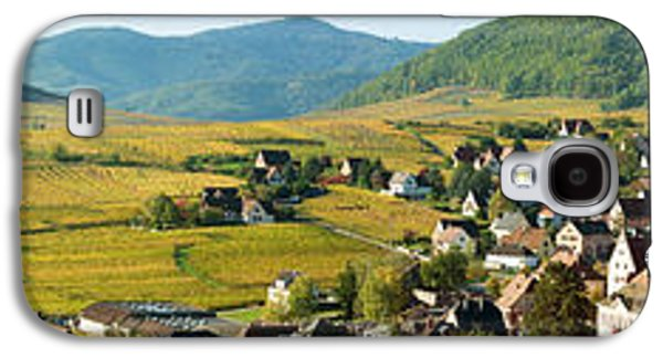 Haut Galaxy S4 Cases - Vineyards In Autumn In The Morning Galaxy S4 Case by Panoramic Images