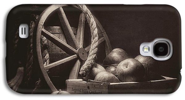 Vintage Apple Basket Still Life Galaxy S4 Case by Tom Mc Nemar
