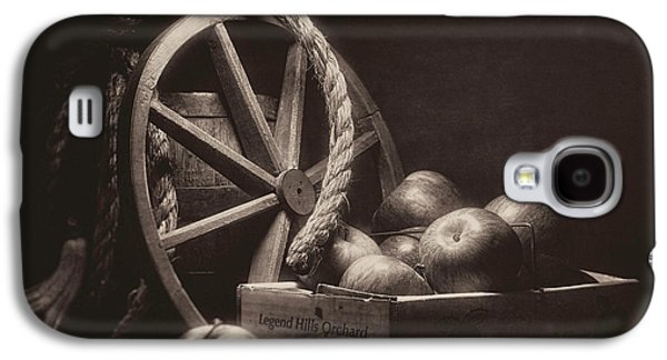 Vintage Apple Basket Still Life Galaxy S4 Case by Tom Mc Nemar