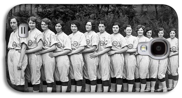 Vintage Photo Of Women's Baseball Team Galaxy S4 Case by American School