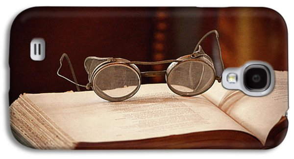 Vintage Reading Glasses  Galaxy S4 Case by Maria Angelica Maira