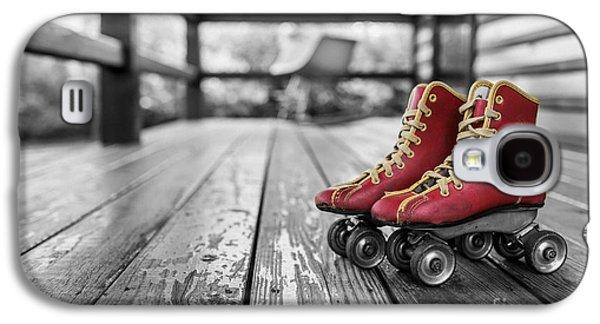 Vintage Red Roller Skates Galaxy S4 Case by Edward Fielding