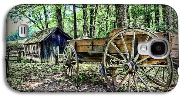 Wagon At The Cabin Galaxy S4 Case by Paul Ward