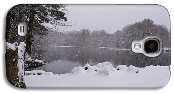Wayside Inn Grist Mill Covered In Snow Storm Pond Galaxy S4 Case by Toby McGuire
