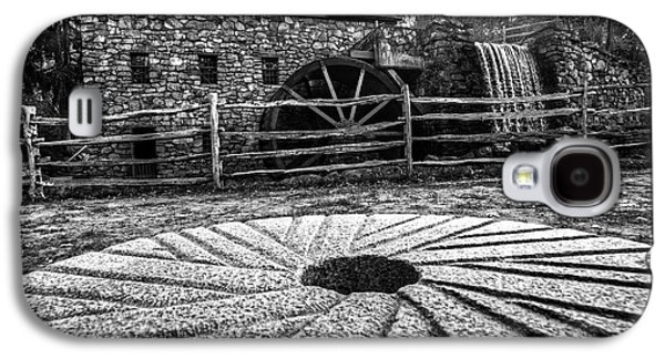 Wayside Inn Grist Mill Millstone Black And White Galaxy S4 Case by Toby McGuire