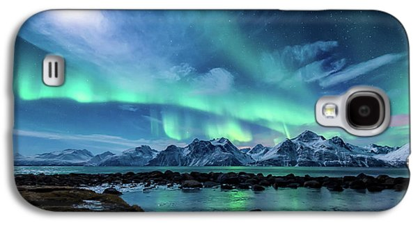 Mountain Galaxy S4 Case - When The Moon Shines by Tor-Ivar Naess
