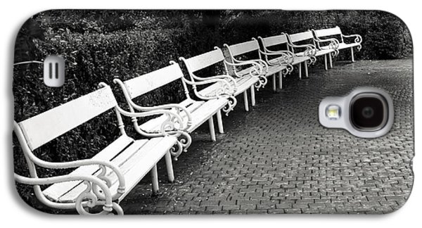 White Benches-  By Linda Wood Woods Galaxy S4 Case by Linda Woods