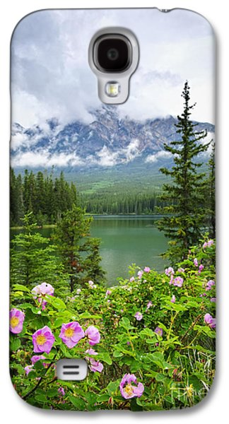 Wild Roses And Mountain Lake In Jasper National Park Galaxy S4 Case by Elena Elisseeva
