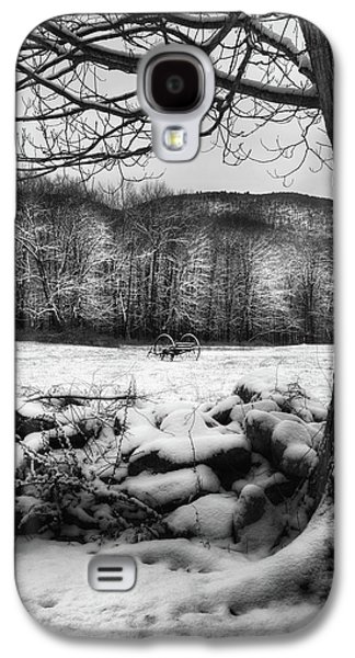 Galaxy S4 Case featuring the photograph Winter Dreary by Bill Wakeley