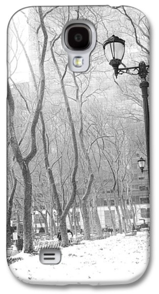Winter In Byrant Park Galaxy S4 Case by Jessica Jenney