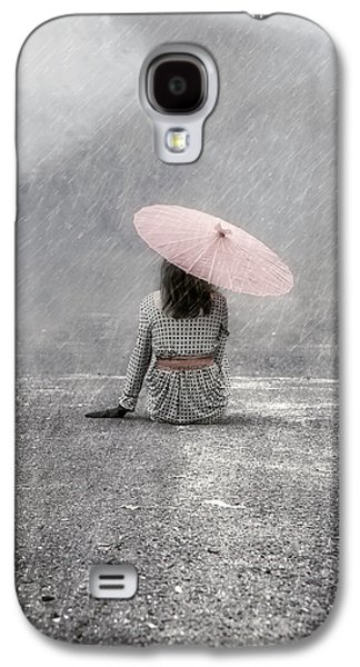 Woman On The Street Galaxy S4 Case by Joana Kruse