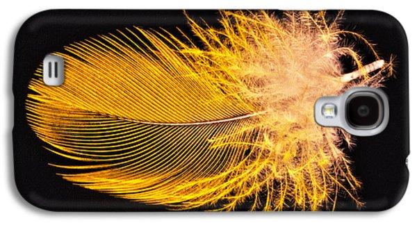 Yellow Feather Macro Galaxy S4 Case