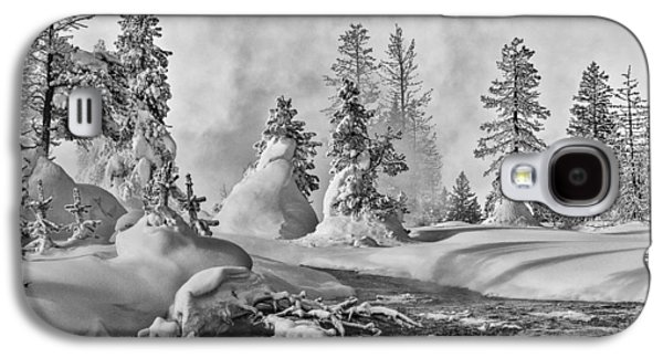 Galaxy S4 Case featuring the photograph Yellowstone In Winter by Gary Lengyel