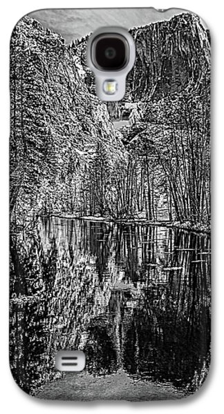 Yosemite Falls From The Swinging Bridge In Black And White Galaxy S4 Case