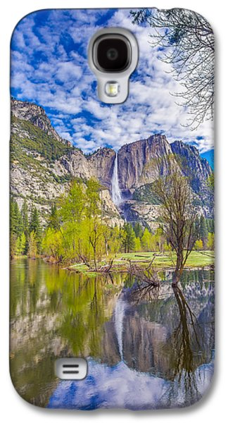 Yosemite Falls In Spring Reflection Galaxy S4 Case by Scott McGuire
