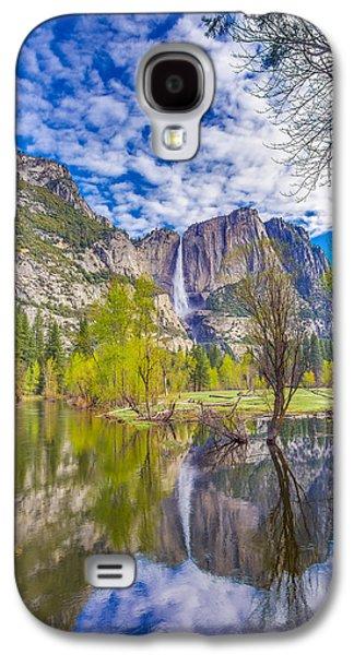 Yosemite Falls In Spring Reflection Galaxy S4 Case